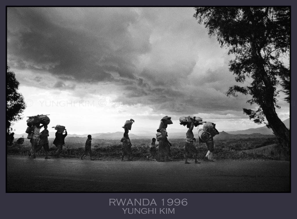 Image # 24. Rwanda 1996.  Journey Home.